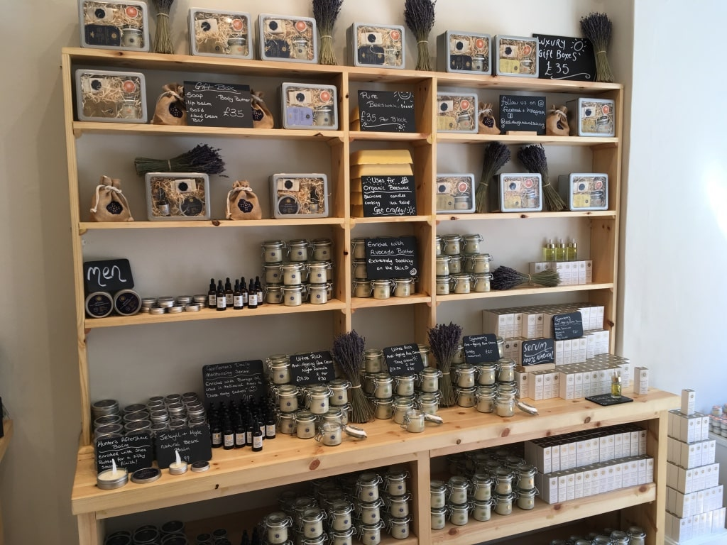 Edinburgh Natural Skincare Company lets buyers pick their choice of items to be packaged in a gift set.